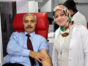 PTT'den Kızılay'a kan bağışı