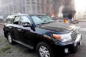 Eski Maliye Bakanı'na bombalı saldırı
