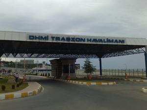 Trabzon'da havalimanı vızır vızır