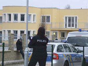 Büyükelçi'nin evinde bomba patladı!
