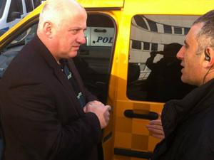 Artvinli vekil takside vatandaşı dinledi..