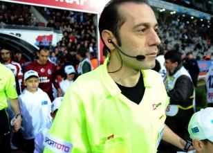 Türk hakeme büyük onur!
