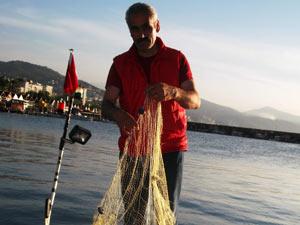 Karadenizli balıkçının yüzü gülüyor