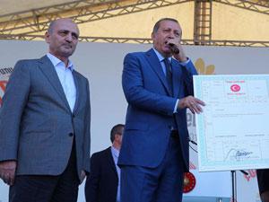 Erdoğan ve Bayraktar Tapu dağıttı