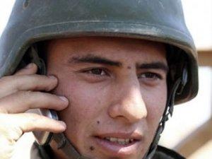 Yasak kalktı, asker o telefona hücum etti!