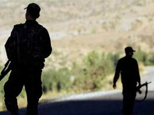 PKK'lılar ile asker arasında çatışma