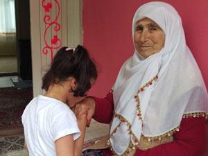 102 yaşında torununun torununu gördü!