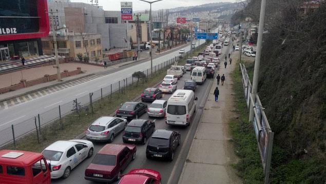 Trabzon trafiği Arap saçına döndü