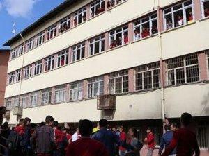 PKK okula bomba attı