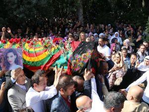 Tabutu PKK'nın sözde bayrağına sarıldı