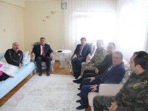 Vali Öz'den Gazi Aktaş'a ziyaret!