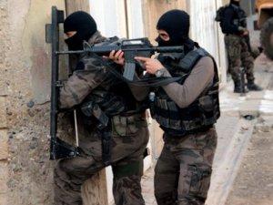 Sur'da bomba infilak etti: 4 yaralı