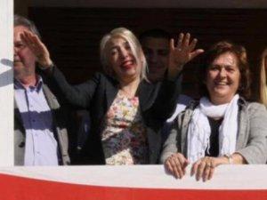 Erdoğan'a el işaretiyle hakarete 11 ay hapis