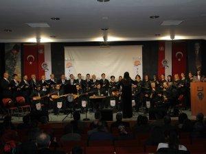 TLYD'den  Cumhuriyet Ortaokulu'na destek