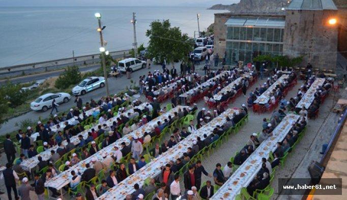 Trabzon Bitlis'te iftar verdi