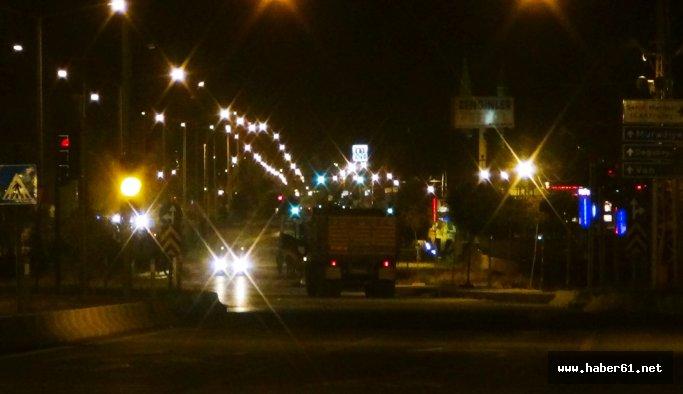 Belediye önünde bombalı araç