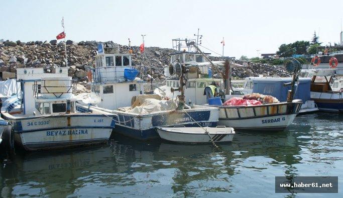 Balıkçı barınağına roketli saldırı