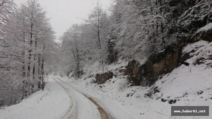 Trabzon ve çevre illerde kar yağışı başladı