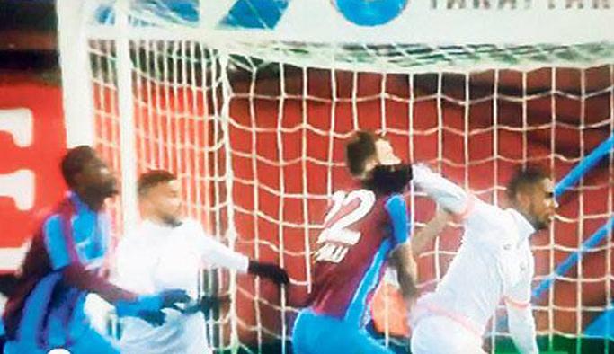 Mustafa Yumlu'dan penaltı açıklaması