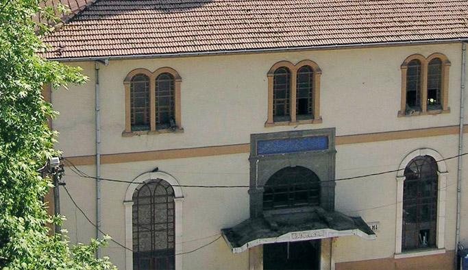 Rize'de tarihi cami yıkılıyor