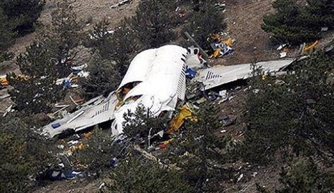 Uçak düştü: 5 ölü!