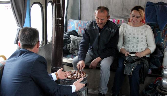 Otobüste çay ve kestane keyfi
