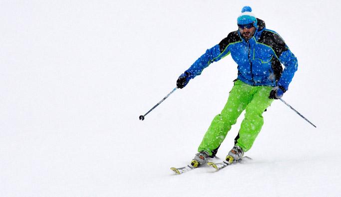 Zigana kayakseverlerin akınına uğradı