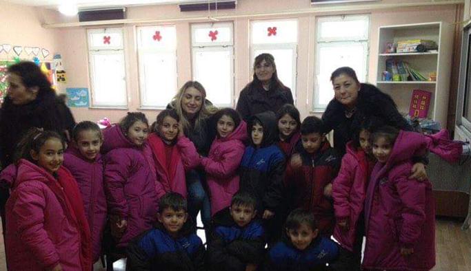 İmamoğlu'ndan Trabzon'da çocuklara yeni yıl hediyesi