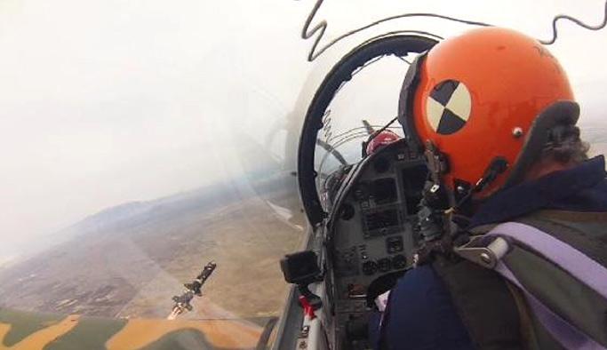 Yerli Savaş Uçağı Hürkuş İlk Füzesini Ateşledi