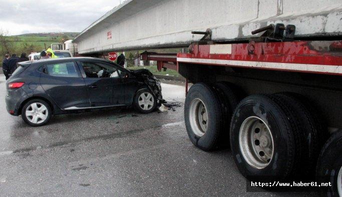 Trabzon plakalı Tır Samsun'da kaza yaptı