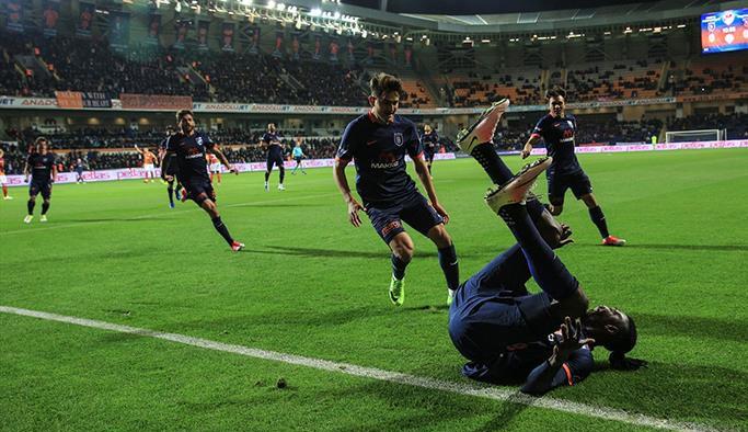 Başakşehir Galatasaray'ı parçaladı