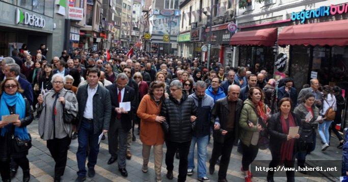 Trabzon'da Hürriyet ve Memleket İçin Elele yürüyüşü