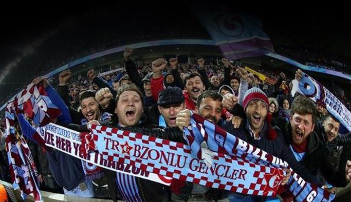 Trabzonspor taraftarlarından maça yoğun ilgi
