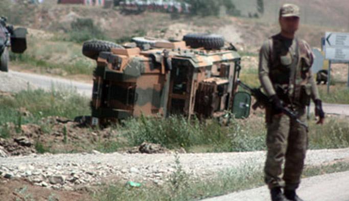 Askeri araç devrildi: 8 yaralı!