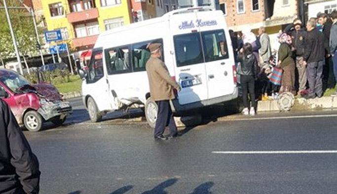 Trabzon'da öğrenci servisi kaza yaptı