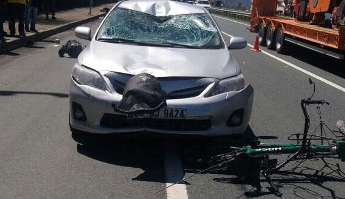 Trabzon'da Bisikletli Alman turistlere otomobil çarptı