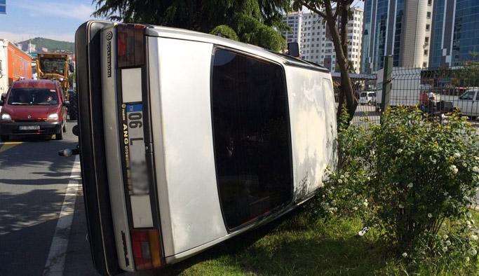 Trabzon'da kaza! Tıra çarpınca...
