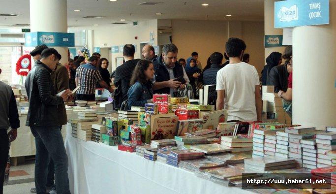 Trabzonlular kitap fuarına akın etti
