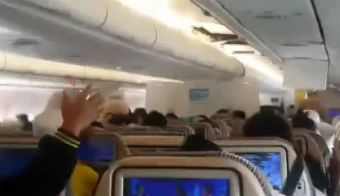Uçak türbülansa girdi; 24 yolcu yaralandı