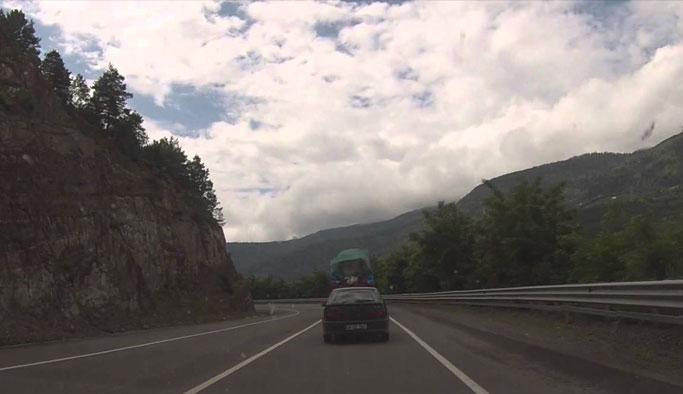 Karayolları Doğu Karadeniz'deki yol için uyardı