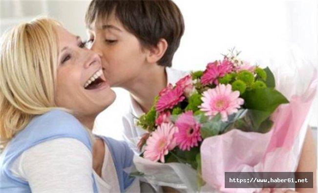 Anneler Günü ne zaman kutlanacak? Anneler Günü mesajları şiirleri