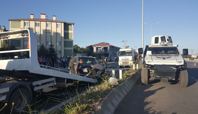 Otomobille kamyonet çarpıştı: 6 yaralı
