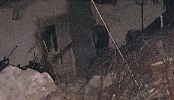 Bir evde göçük: 3 ölü, 5 yaralı