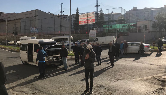 Trabzon'da maddi hasarlı kaza