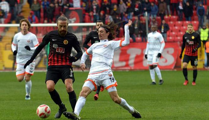 Eskişehirspor Adanaspor'a mağlup oldu