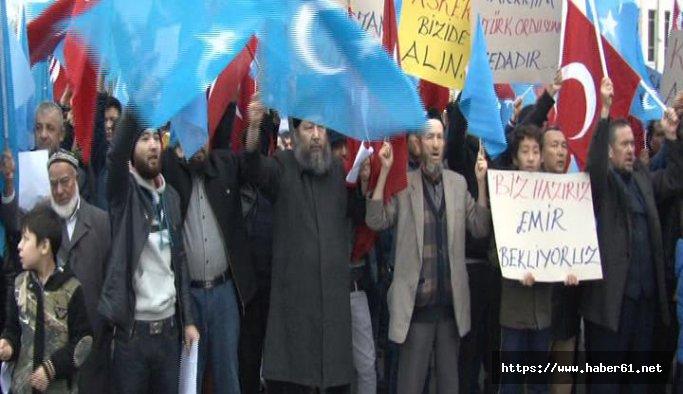 Doğu Türkistanlılar gönüllü askerlik için seslendi: Göreve talibiz