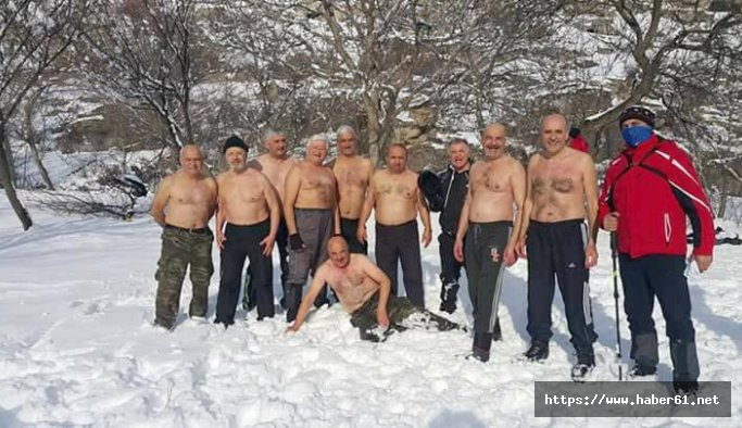 Kar Kaplanları bu yıl da kar banyosu yaptı