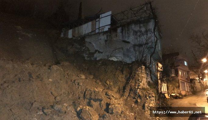 Toprak kayması yüzünden 10 ev tahliye edildi