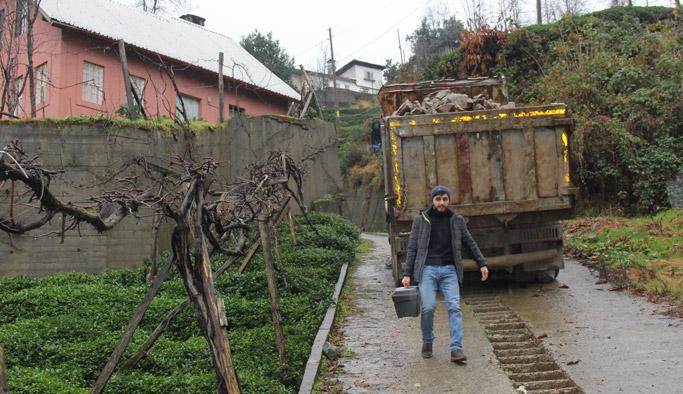 Trabzon plakalı tır rampada bozulunca 4 gündür kaldırılamadı