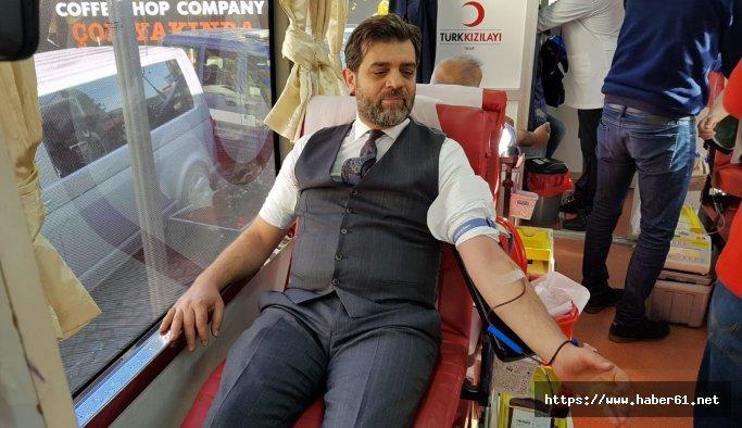 Trabzon'da İYİ Partililer Mehmetçik için kan verdi